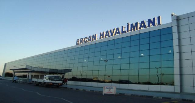 Başkasının pasaportuyla Ercan'dan çıkmaya çalıştı!