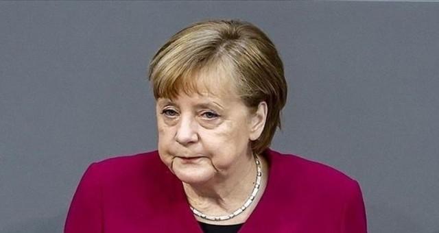 Merkel: Türkiye ile çok iyi ilişkiler olması için çaba sarf ediyorum