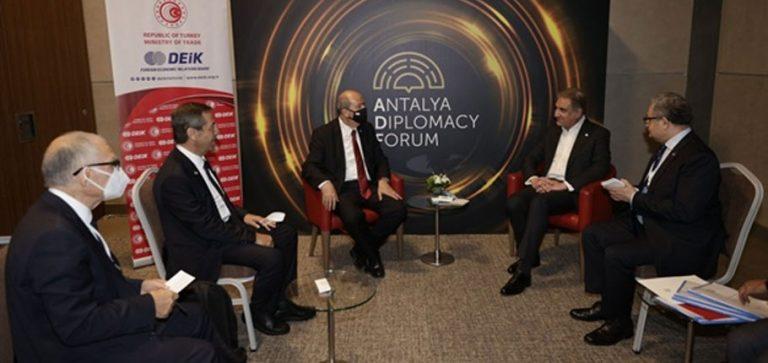 Tatar, Pakistan Dışişleri Bakanı ile görüştü