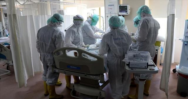 15 yaşındaki COVİD-19 hastasının durumu kritik