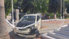 Kaza yapan araç meclise girdi!