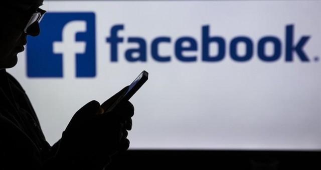 """Eski çalışandan Facebook'a """"gençlere ve demokrasiye zarar veriyor"""" eleştirisi"""