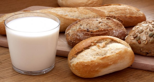 AB çapında en pahalı süt ve ekmek Güney Kıbrıs'ta