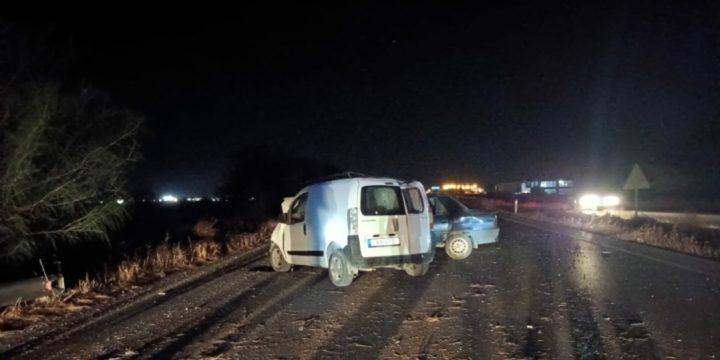 Direksiyon hakimiyetini kaybeden sürücü kaza yaptı!